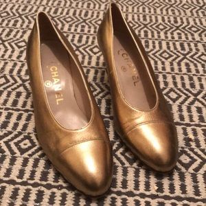 VINTAGE CHANEL Gold 1 1/2 inch Heels